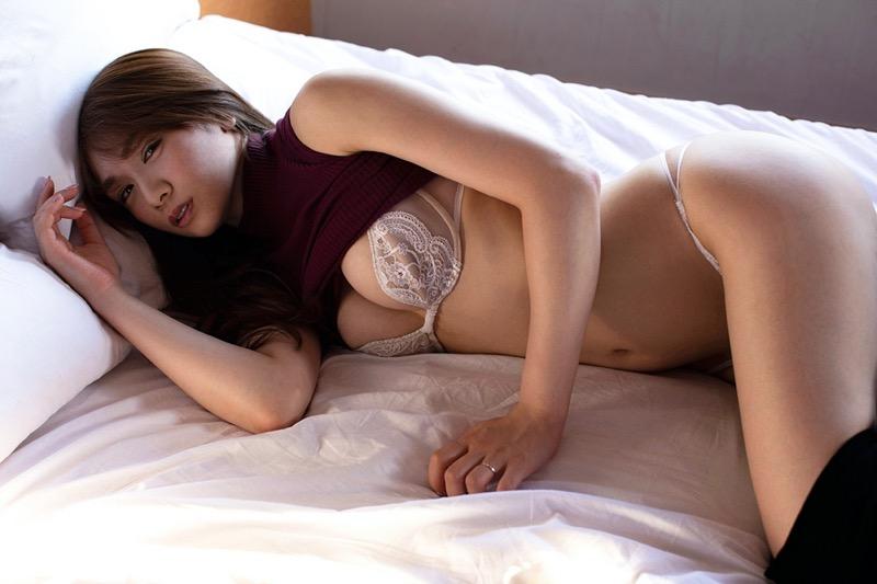 【金山睦エロ画像】グラビアアイドルの変態水着を引っ張り上げてマンコに食い込ませてイジメたい! 71
