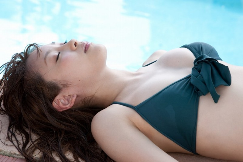 【高橋愛グラビア画像】元ハロプロアイドルが現役時代に撮りまくった初々しくてちょっとエッチな水着姿