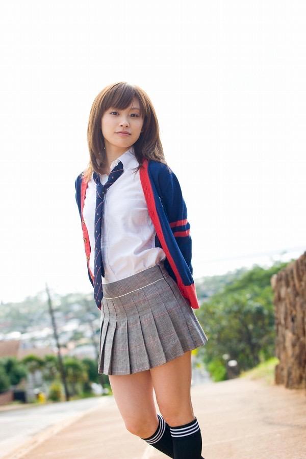 【高橋愛グラビア画像】元ハロプロアイドルが現役時代に撮りまくった初々しくてちょっとエッチな水着姿 64