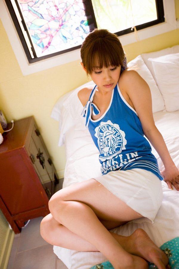 【高橋愛グラビア画像】元ハロプロアイドルが現役時代に撮りまくった初々しくてちょっとエッチな水着姿 71