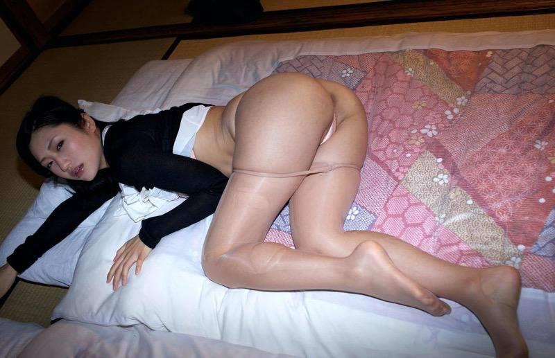 【壇蜜グラビア画像】先月結婚した漫画家の旦那の前でこんなエロい裸体をくねらせてセックスしてるのかなぁ〜w 12