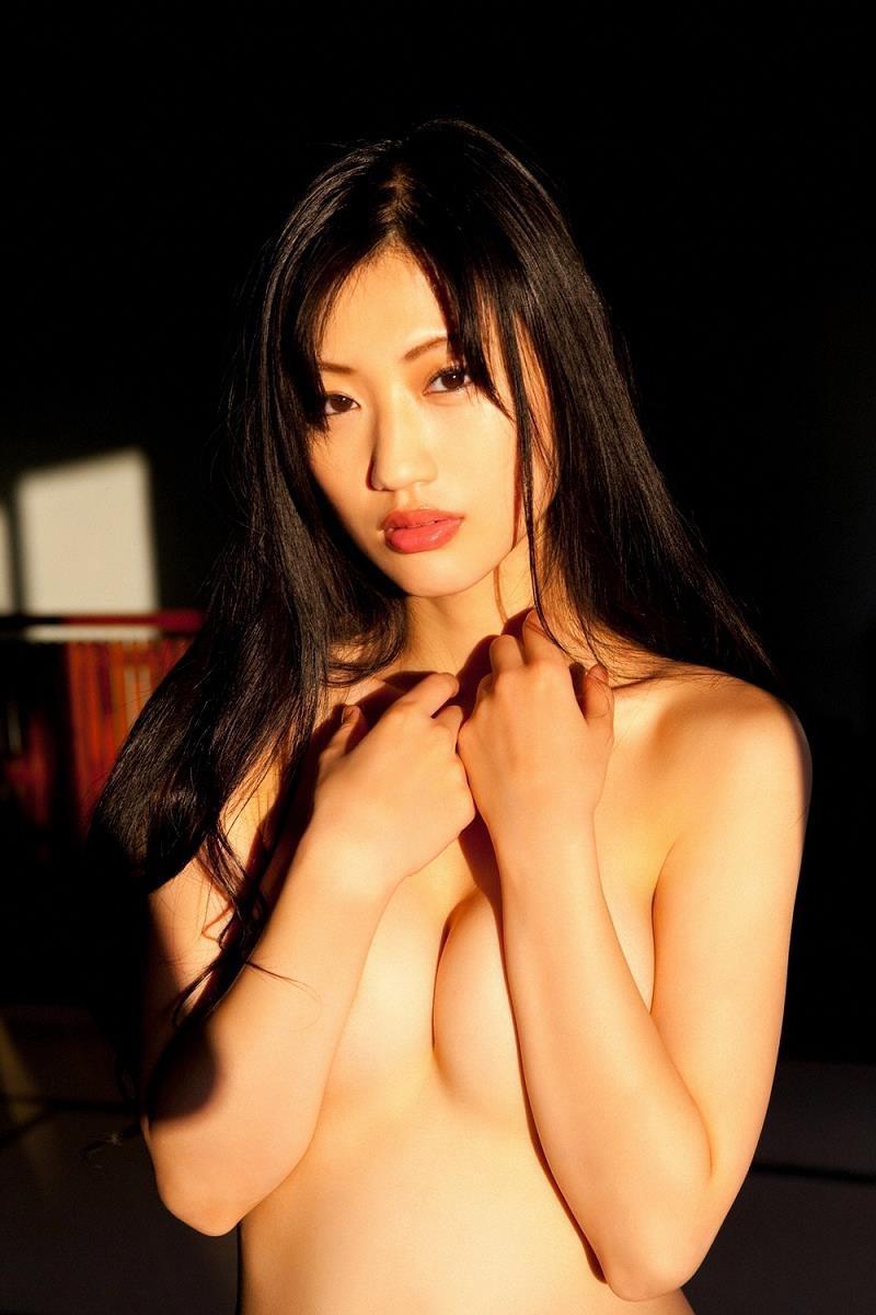 【壇蜜グラビア画像】先月結婚した漫画家の旦那の前でこんなエロい裸体をくねらせてセックスしてるのかなぁ〜w 62