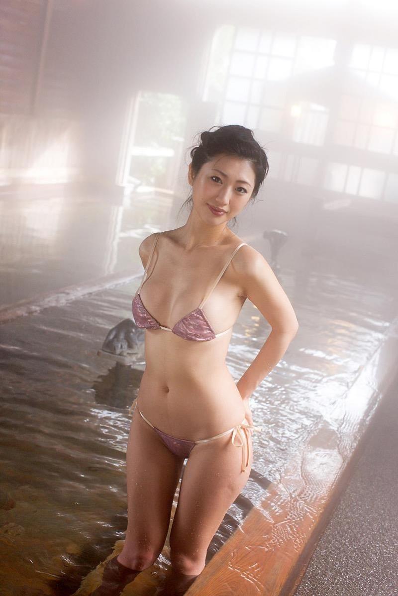 【壇蜜グラビア画像】先月結婚した漫画家の旦那の前でこんなエロい裸体をくねらせてセックスしてるのかなぁ〜w 66