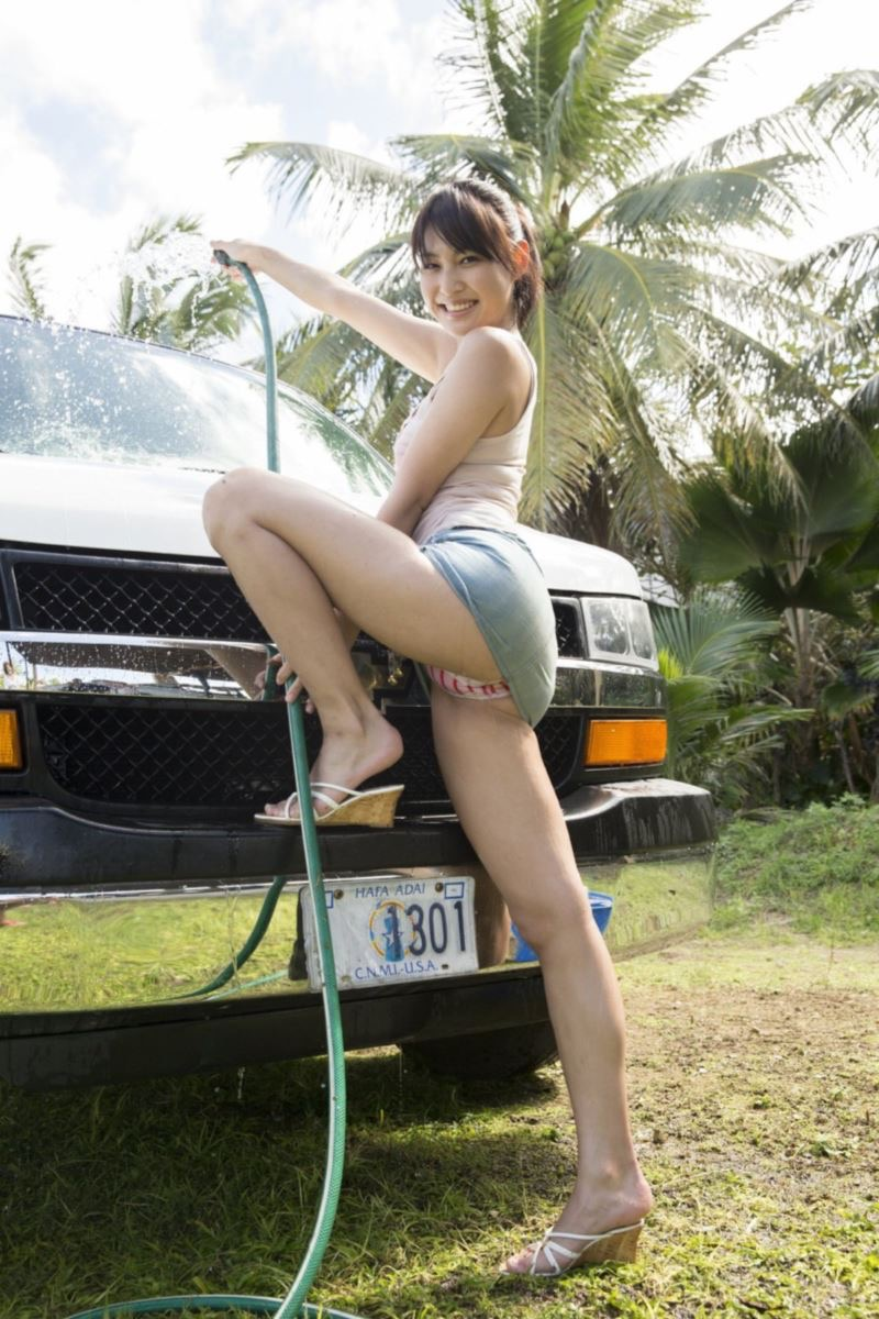 【小柳歩グラビア画像】モデルの様な高身長スレンダーボディがソソるグラドルのちょっとエッチな画像集 21