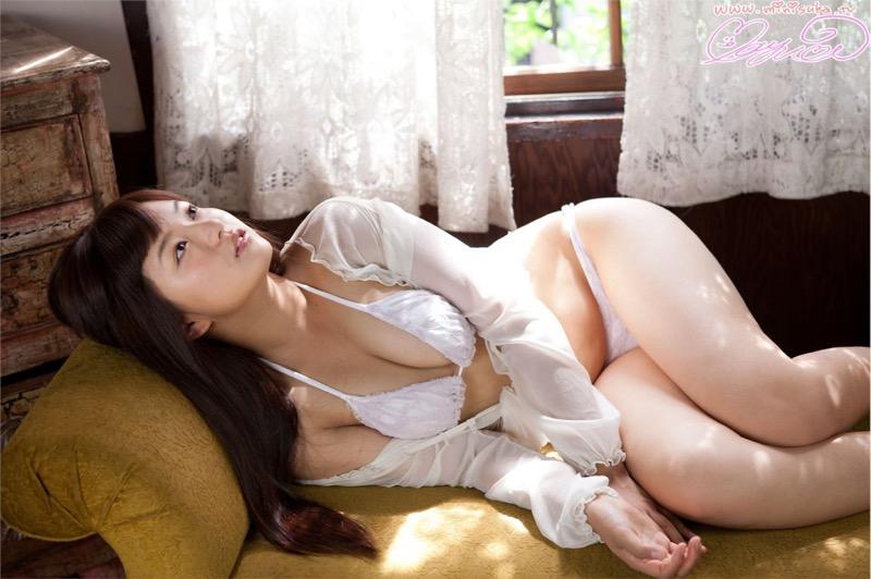 【山中真由美キャプ画像】番組中にデキ婚をぶっちゃけて驚かせた苦労人グラビアアイドルの今後は? 30