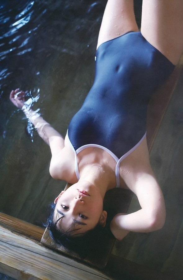 【スク水エロ画像】男性たちの性欲を沸き起こさせる魅力溢れる可愛くてエッチなスクール水着 25