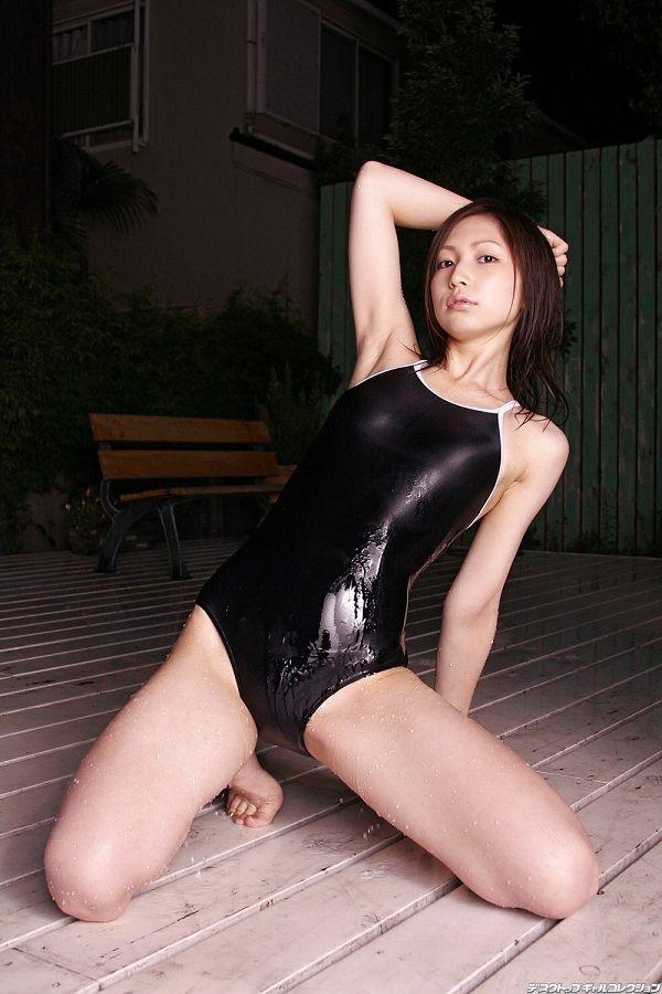 【スク水エロ画像】男性たちの性欲を沸き起こさせる魅力溢れる可愛くてエッチなスクール水着 44