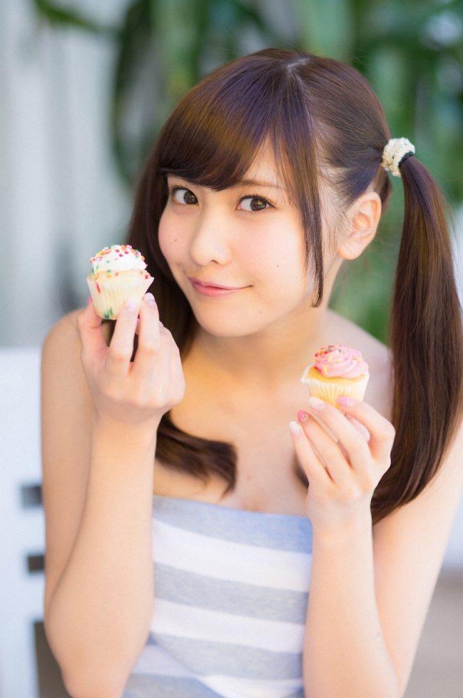【佐野ひなこグラビア画像】ツインテールが似合って可愛い美少女モデルの綺麗でエロいFカップボディ 03