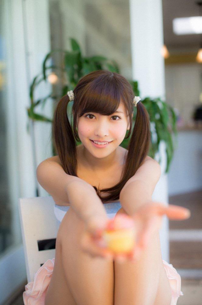 【佐野ひなこグラビア画像】ツインテールが似合って可愛い美少女モデルの綺麗でエロいFカップボディ 05
