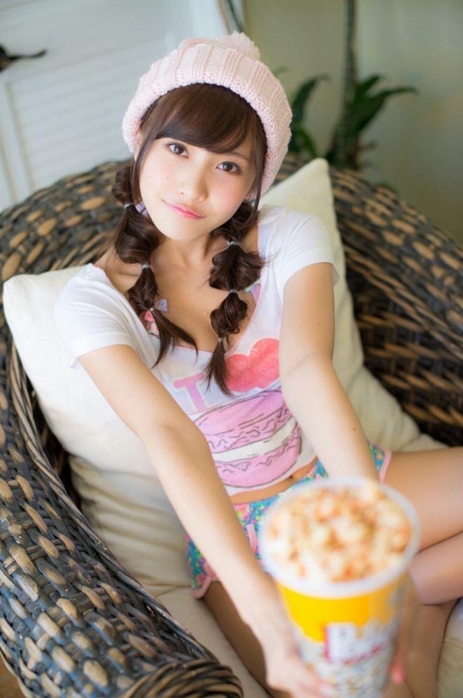 【佐野ひなこグラビア画像】ツインテールが似合って可愛い美少女モデルの綺麗でエロいFカップボディ 10