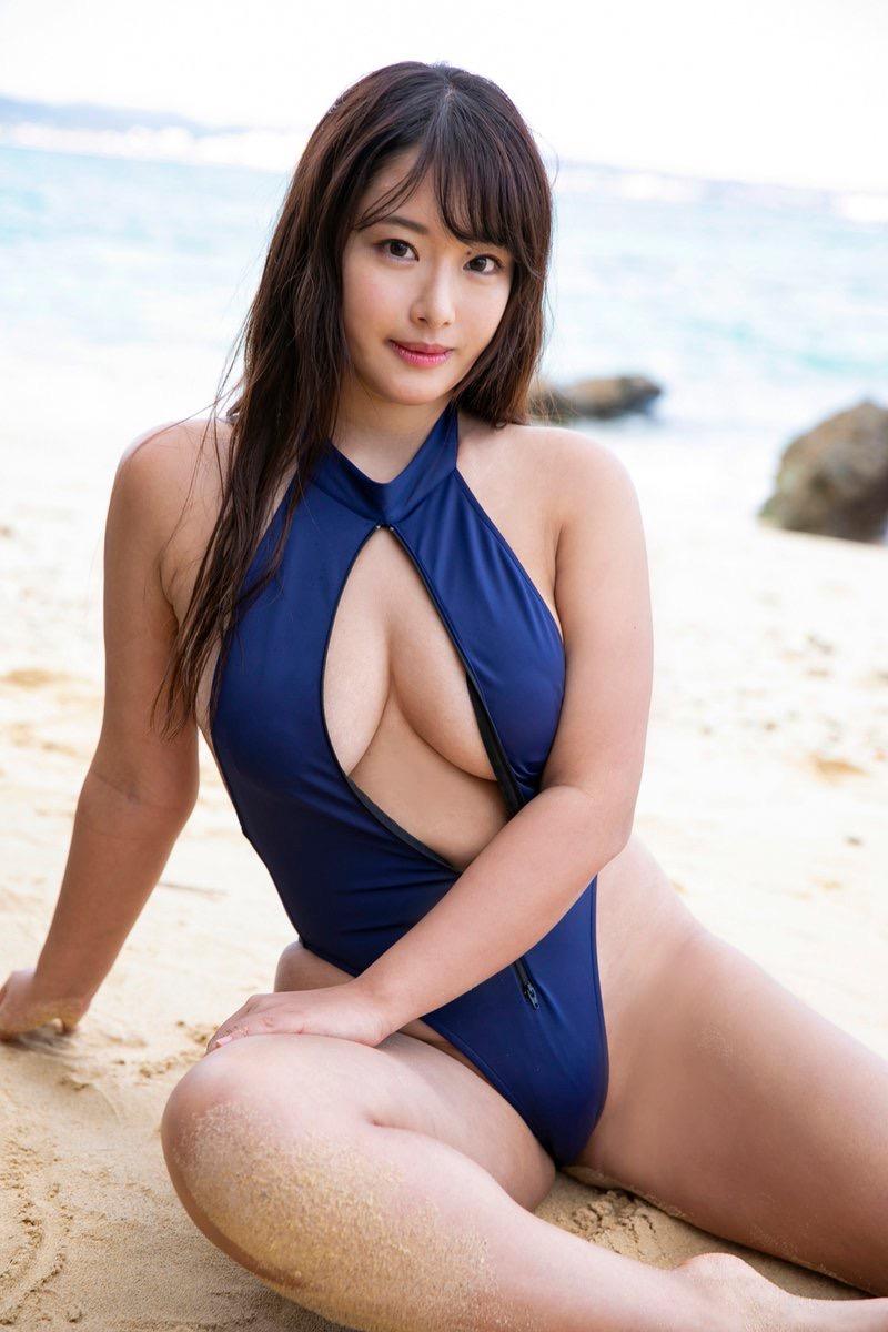【秋山かほグラビア画像】別名で乳首まで見せる過激な着エロをやっていたらしい爆乳グラドルがこちら 44