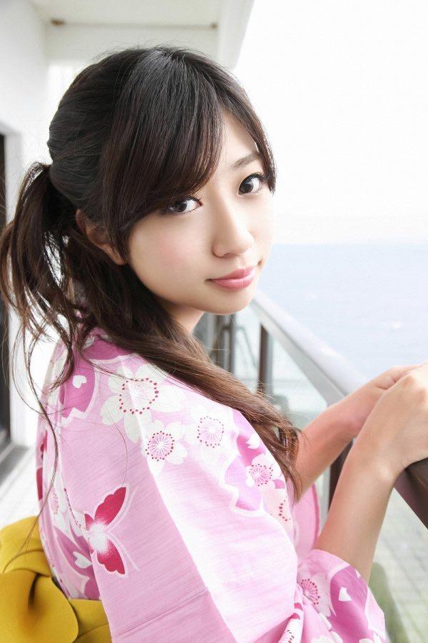 【大貫彩香グラビア画像】JK制服からセクシーランジェリーまで何でも似合っててエロ可愛い! 10
