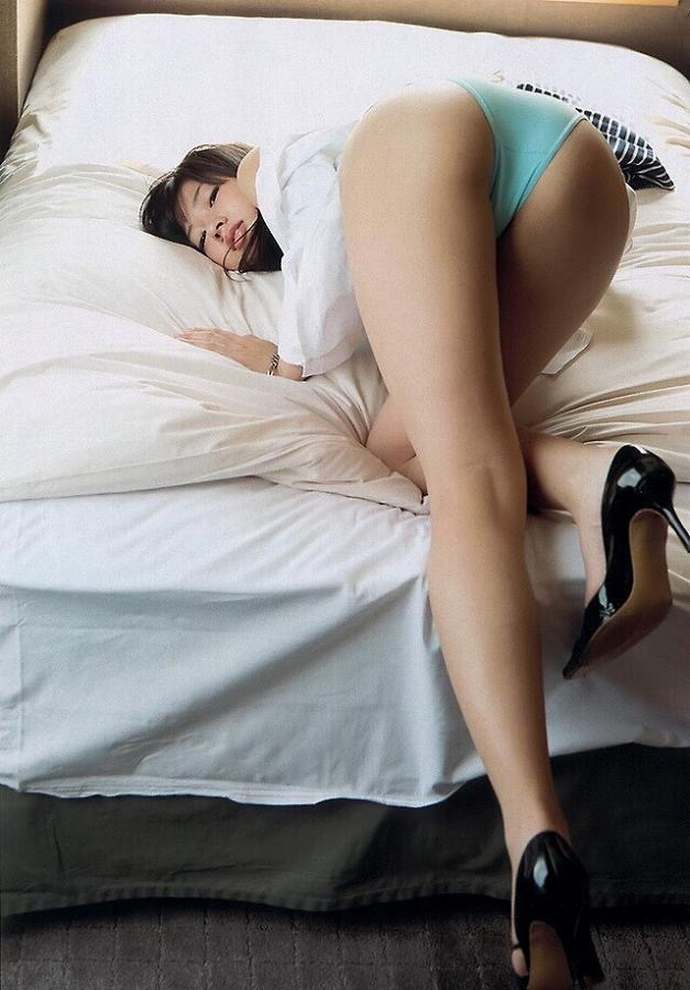 【大貫彩香グラビア画像】JK制服からセクシーランジェリーまで何でも似合っててエロ可愛い! 16