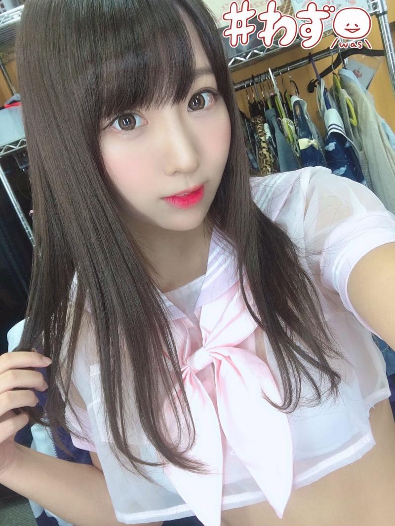 【日向葵衣エロ画像】美乳の新人グラドルが見せたシャツめくりオッパイが即勃起モノのエロさ! 37