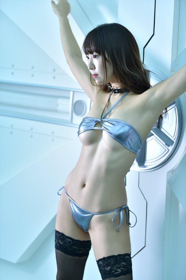 【日向葵衣エロ画像】美乳の新人グラドルが見せたシャツめくりオッパイが即勃起モノのエロさ! 45