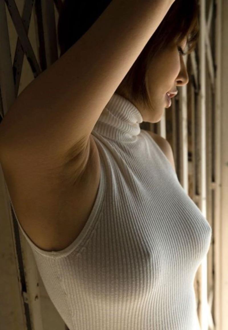 【ニットおっぱい画像】ヘタな全裸よりもよっぽどエロいニットセーター越しの大きな胸の膨らみwwww 42