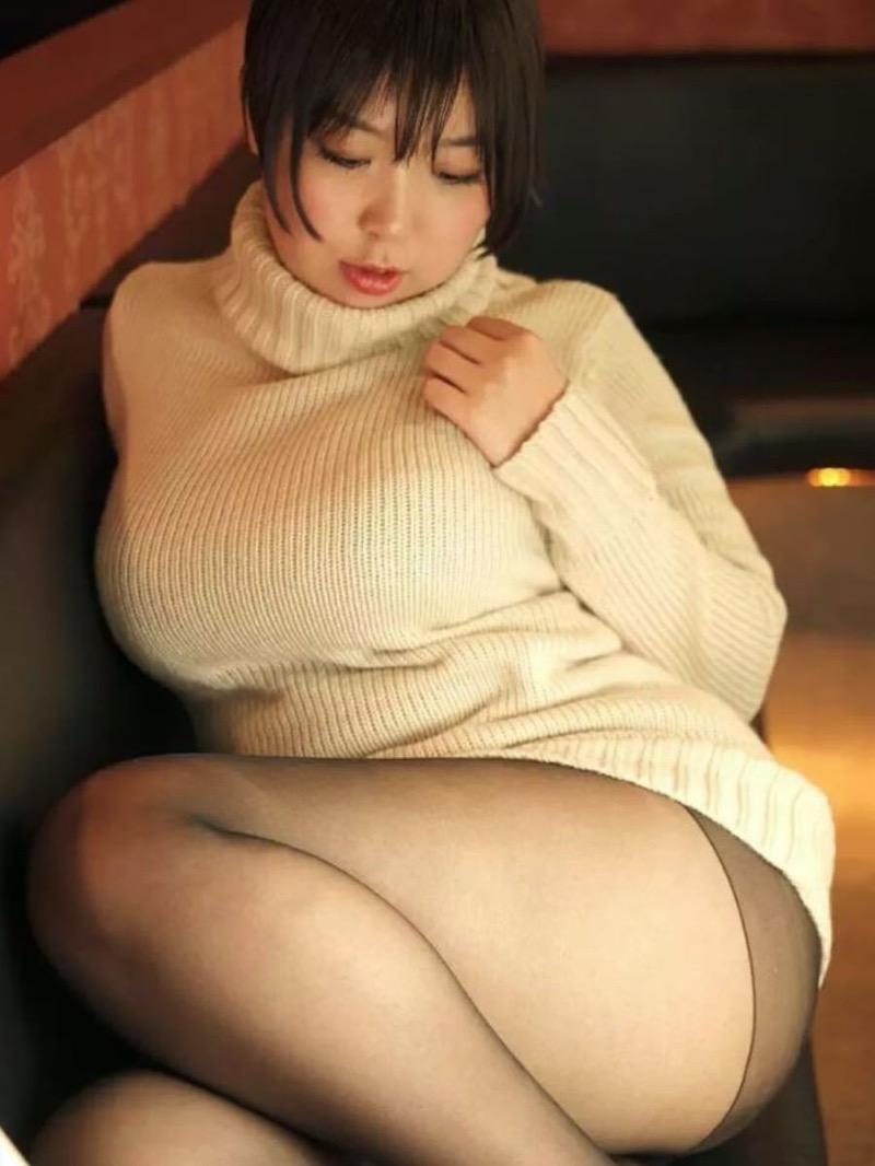 【ニットおっぱい画像】ヘタな全裸よりもよっぽどエロいニットセーター越しの大きな胸の膨らみwwww 63