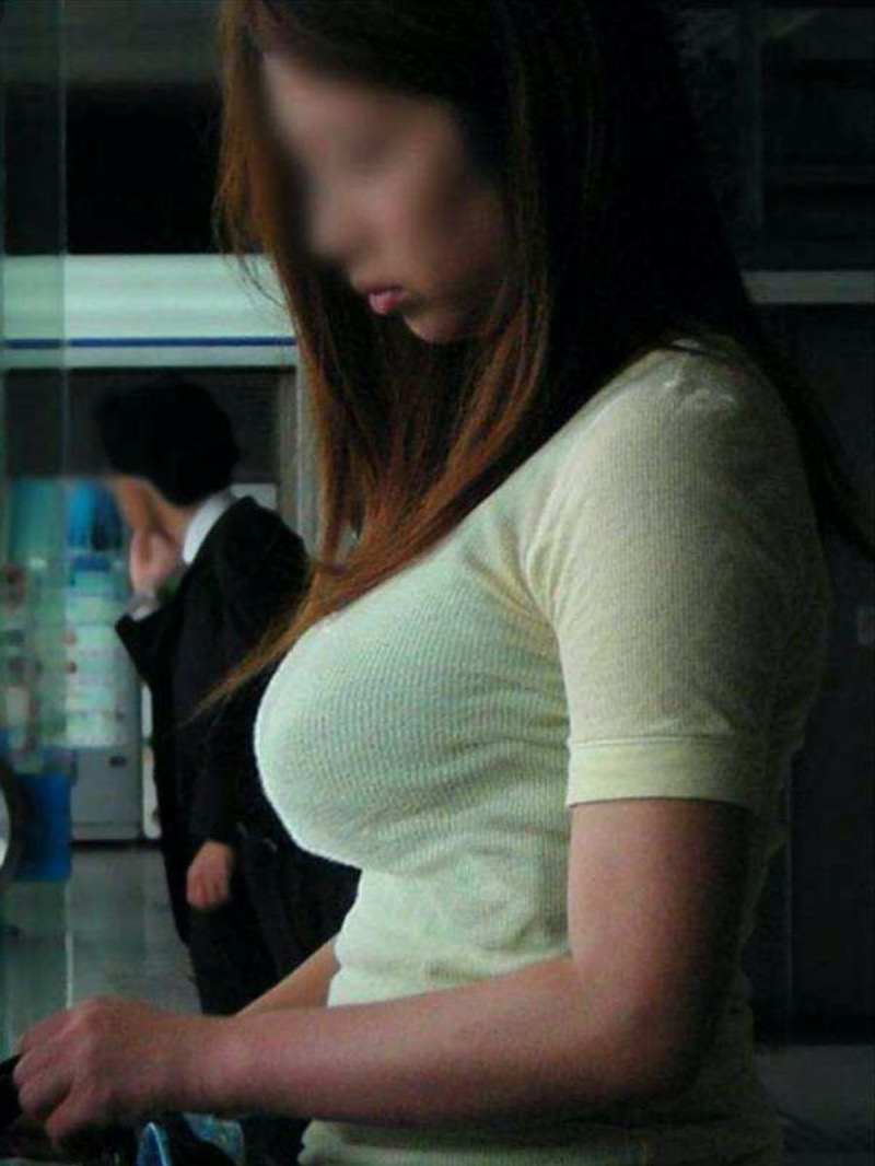 【ニットおっぱい画像】ヘタな全裸よりもよっぽどエロいニットセーター越しの大きな胸の膨らみwwww 64
