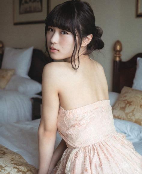 【渋谷凪咲グラビア画像】満面の笑顔がとっても可愛らしいNMB48アイドルのちょっとエッチな水着写真 19