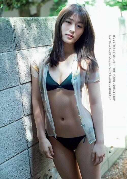 【渋谷凪咲グラビア画像】満面の笑顔がとっても可愛らしいNMB48アイドルのちょっとエッチな水着写真 26
