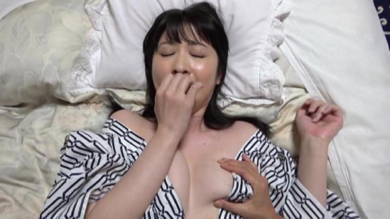 【雨宮奈生エロ画像】10年という時を経てグラビア復帰を果たしたアラフォー熟女がAV出演ってマ!? 88