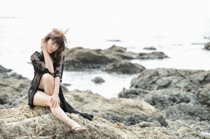 【生田衣梨奈グラビア画像】ビキニ水着からチャイナドレスまで着こなすセクシー可愛いモー娘アイドル 34