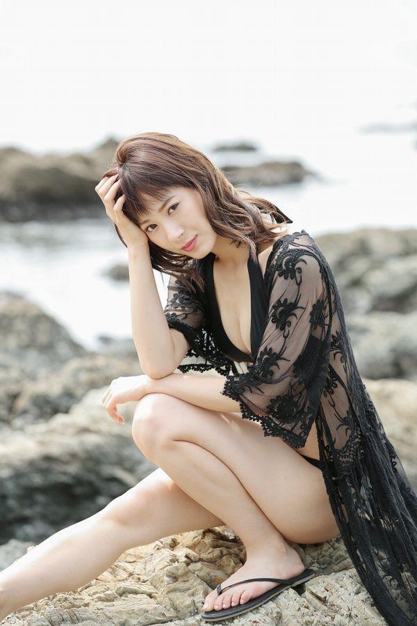 【生田衣梨奈グラビア画像】ビキニ水着からチャイナドレスまで着こなすセクシー可愛いモー娘アイドル 35