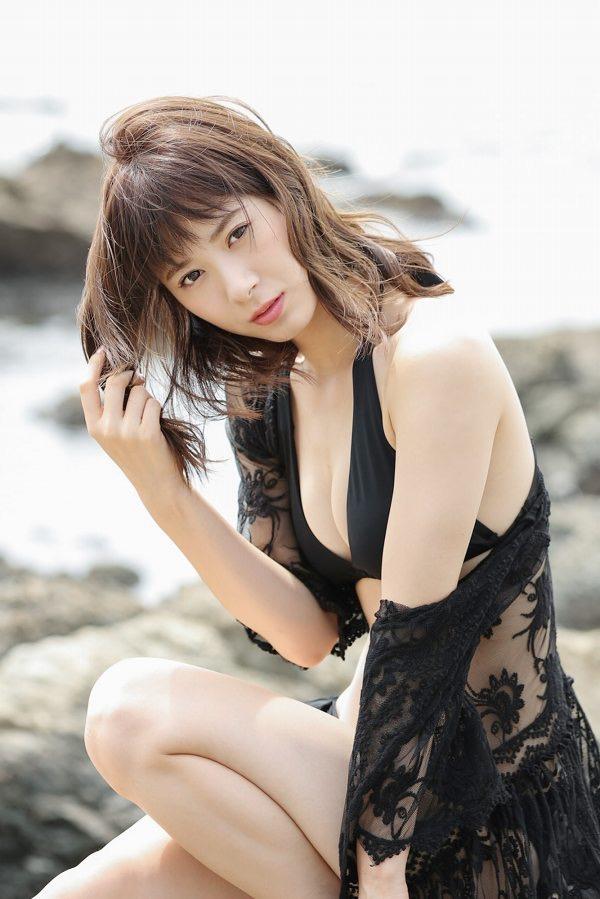 【生田衣梨奈グラビア画像】ビキニ水着からチャイナドレスまで着こなすセクシー可愛いモー娘アイドル 36