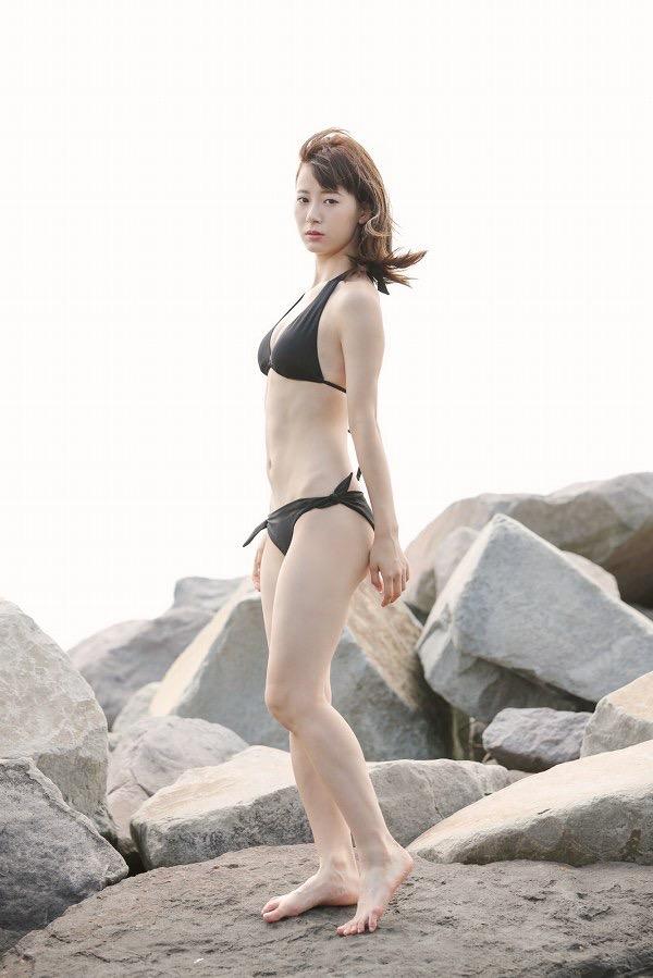 【生田衣梨奈グラビア画像】ビキニ水着からチャイナドレスまで着こなすセクシー可愛いモー娘アイドル 48