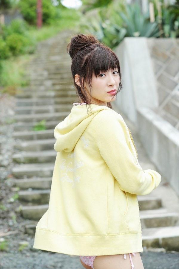 【生田衣梨奈グラビア画像】ビキニ水着からチャイナドレスまで着こなすセクシー可愛いモー娘アイドル 53