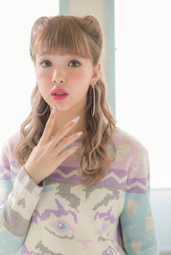 【藤田ニコルキャプ画像】可愛らしいファッションモデルにこるんのちょっとエッチなテレビ出演シーンw 77
