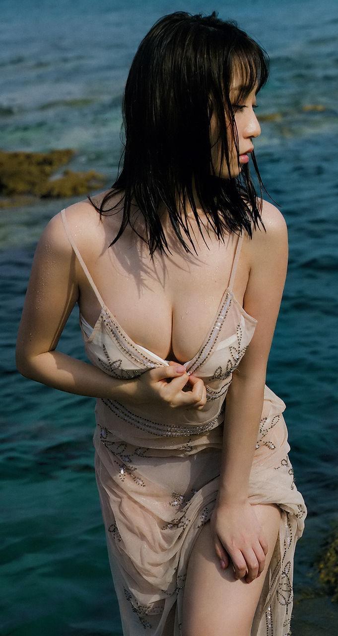 【伊織もえグラビア画像】コスプレは可愛いしグラビアはエッチだしズリネタに最適な女だわwwww 16