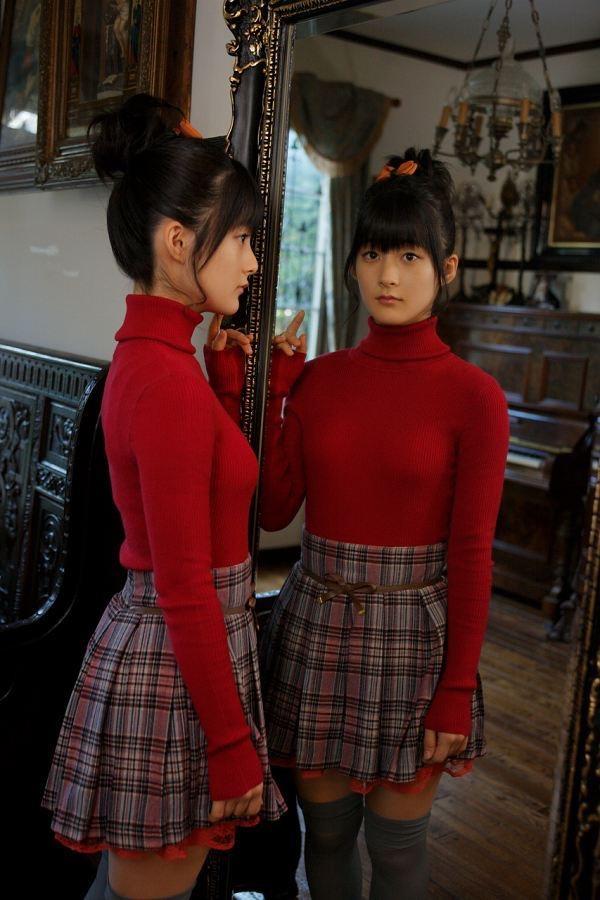 【嗣永桃子グラビア画像】ぶりっ子キャラでもアイドルとしてのプロ根性は人一倍凄みがあった童顔美少女 04