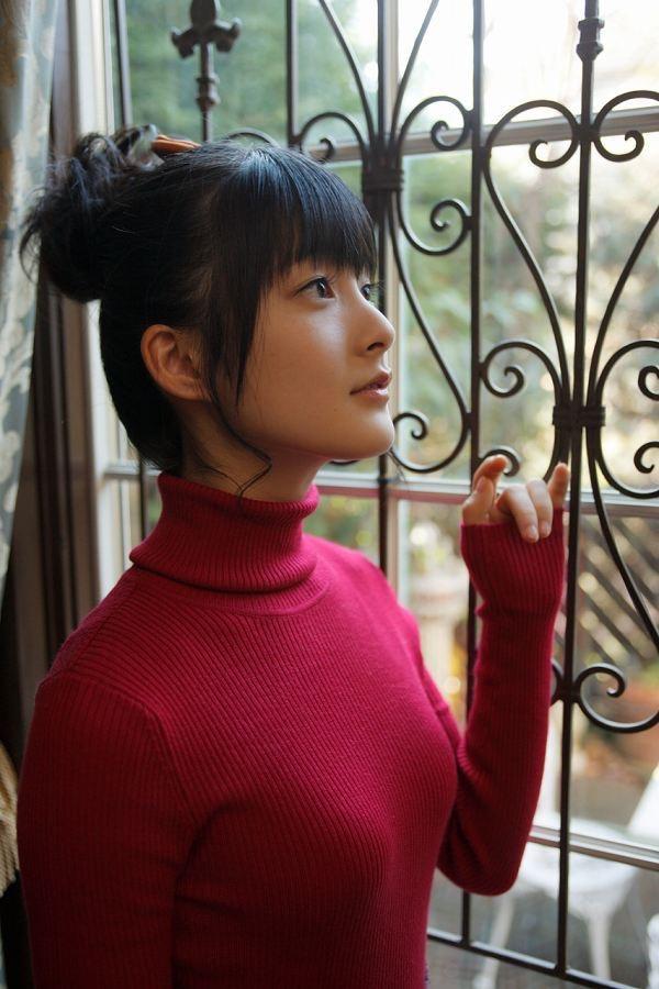 【嗣永桃子グラビア画像】ぶりっ子キャラでもアイドルとしてのプロ根性は人一倍凄みがあった童顔美少女 05