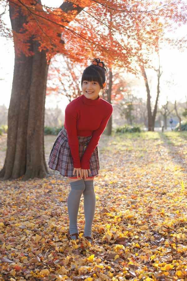 【嗣永桃子グラビア画像】ぶりっ子キャラでもアイドルとしてのプロ根性は人一倍凄みがあった童顔美少女 06