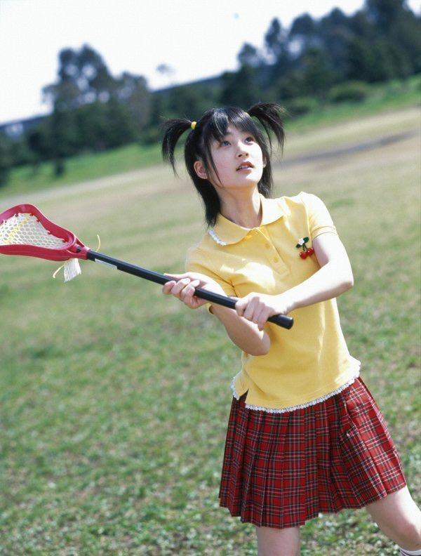 【嗣永桃子グラビア画像】ぶりっ子キャラでもアイドルとしてのプロ根性は人一倍凄みがあった童顔美少女 15