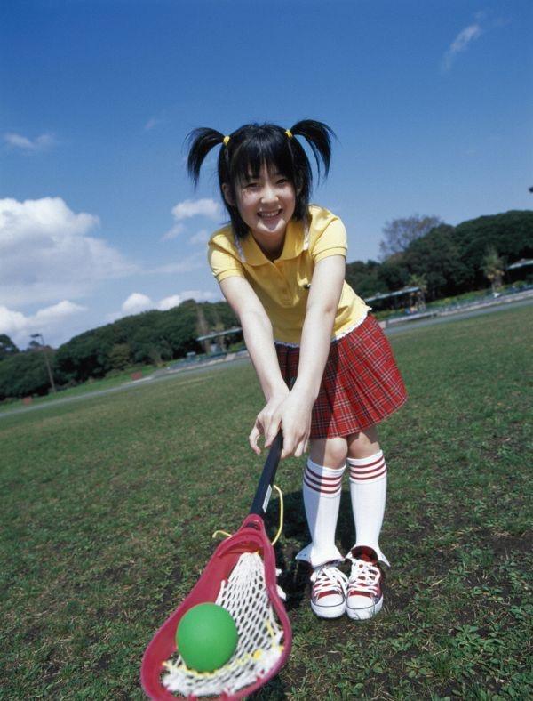 【嗣永桃子グラビア画像】ぶりっ子キャラでもアイドルとしてのプロ根性は人一倍凄みがあった童顔美少女 17