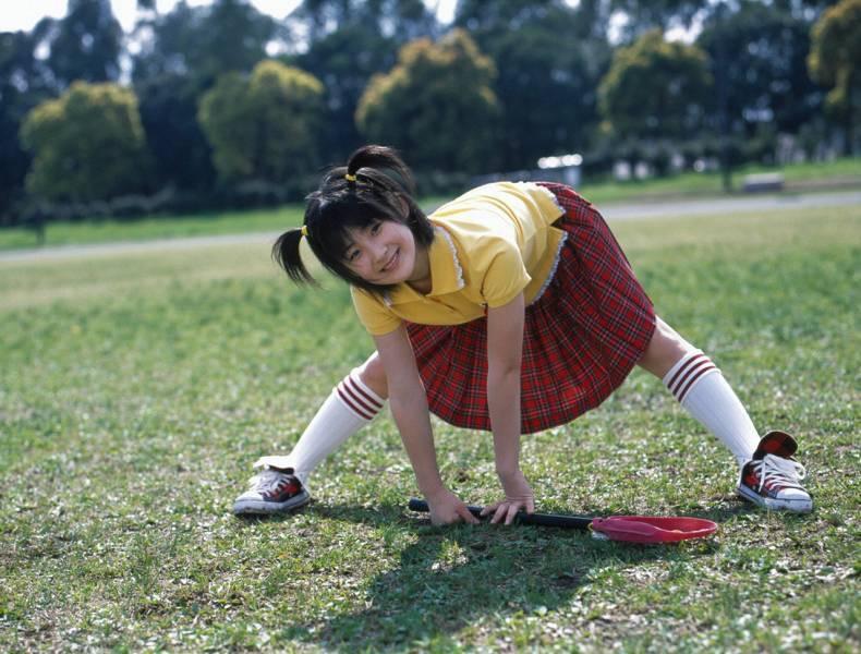 【嗣永桃子グラビア画像】ぶりっ子キャラでもアイドルとしてのプロ根性は人一倍凄みがあった童顔美少女 18