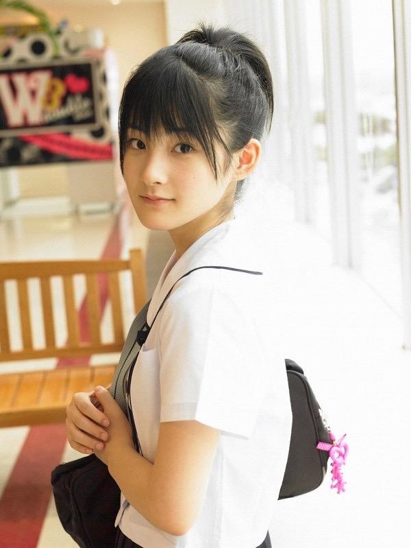 【嗣永桃子グラビア画像】ぶりっ子キャラでもアイドルとしてのプロ根性は人一倍凄みがあった童顔美少女 38