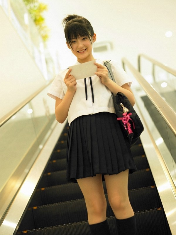 【嗣永桃子グラビア画像】ぶりっ子キャラでもアイドルとしてのプロ根性は人一倍凄みがあった童顔美少女 41