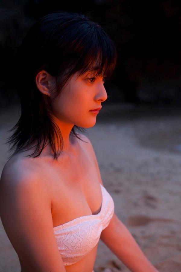 【嗣永桃子グラビア画像】ぶりっ子キャラでもアイドルとしてのプロ根性は人一倍凄みがあった童顔美少女 96