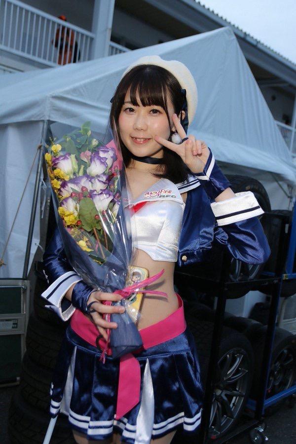 【鈴乃八雲エロ画像】OLを辞めてグラビアアイドル一本で芸能界デビューした思い切りが良いデカ尻娘! 24