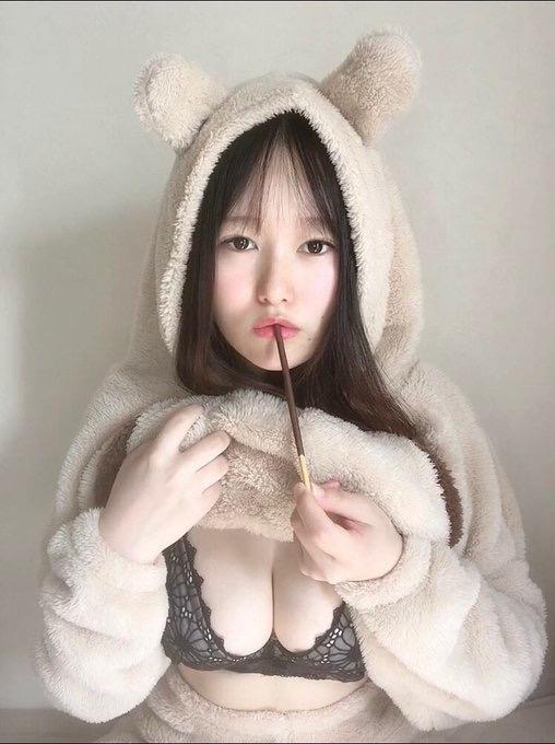 【東坂みゆエロ画像】Hカップの色白爆乳でパイズリをして欲しくなるエッチなSNS自撮りが最高過ぎたw 04
