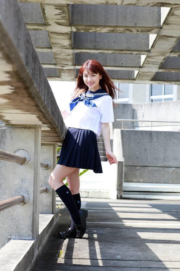 【石田亜佑美グラビア画像】爽やかな笑顔とエッチなクビレボディが魅力的なアイドルのビキニ姿がエロ過ぎた 10
