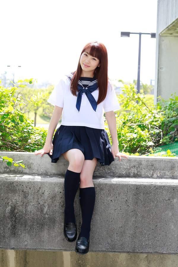 【石田亜佑美グラビア画像】爽やかな笑顔とエッチなクビレボディが魅力的なアイドルのビキニ姿がエロ過ぎた 15