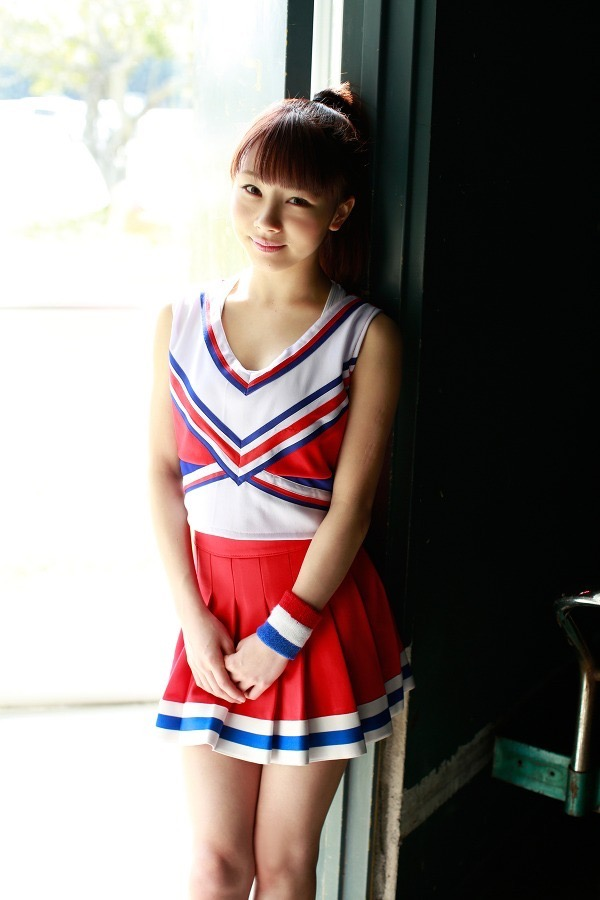 【石田亜佑美グラビア画像】爽やかな笑顔とエッチなクビレボディが魅力的なアイドルのビキニ姿がエロ過ぎた 20