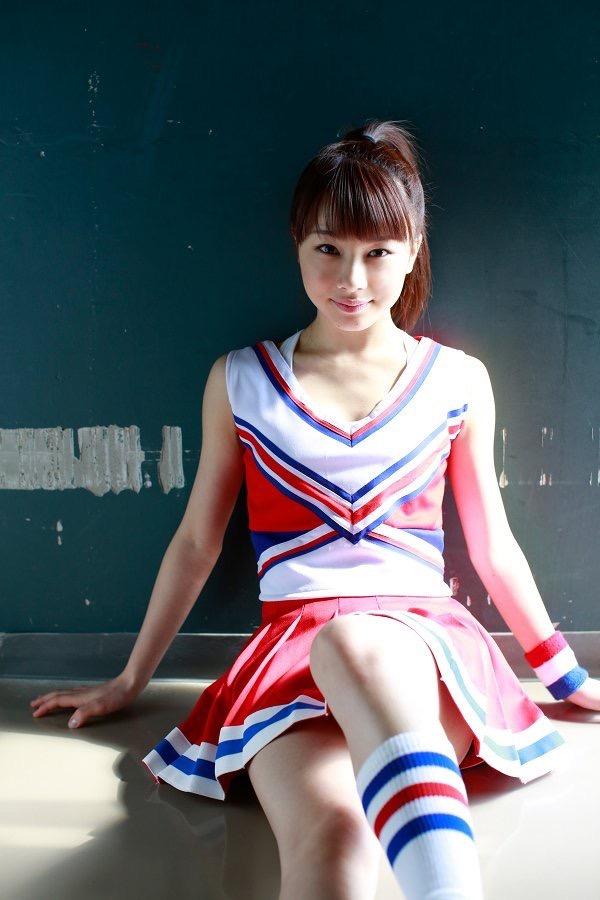 【石田亜佑美グラビア画像】爽やかな笑顔とエッチなクビレボディが魅力的なアイドルのビキニ姿がエロ過ぎた 21