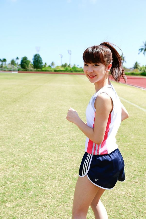 【石田亜佑美グラビア画像】爽やかな笑顔とエッチなクビレボディが魅力的なアイドルのビキニ姿がエロ過ぎた 31