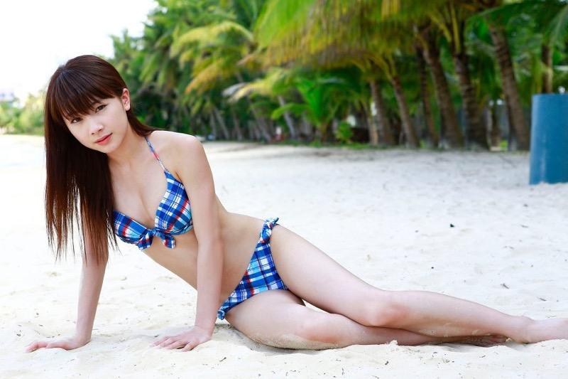 【石田亜佑美グラビア画像】爽やかな笑顔とエッチなクビレボディが魅力的なアイドルのビキニ姿がエロ過ぎた 49