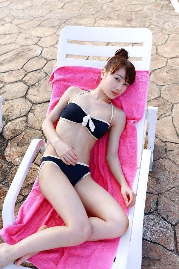 【石田亜佑美グラビア画像】爽やかな笑顔とエッチなクビレボディが魅力的なアイドルのビキニ姿がエロ過ぎた 55